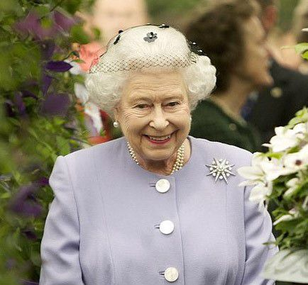 Queen3_Post-image-724