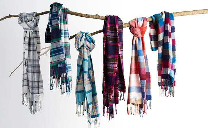No women's layering guide would be complete without some trusty, warm scarves. We are rather proud of our scarf collection this season and we're confident there's a style to suit everyone.
