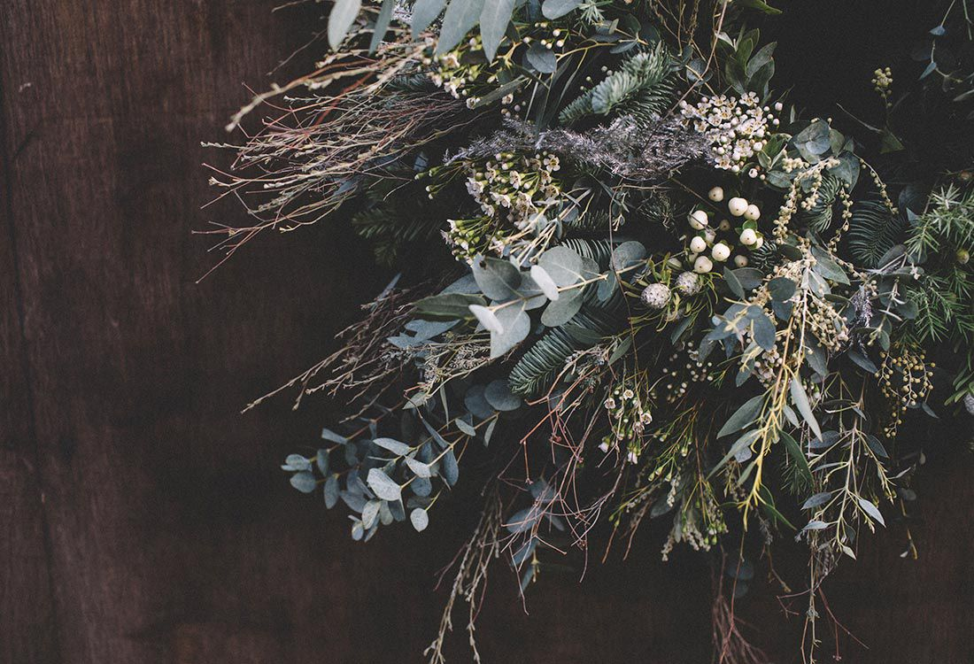 Hanging from your door or sitting as a centrepiece in the middle of your table, the traditional Christmas wreath is the ultimate festive decoration. We asked our dear friend, JenniBloom Flowers to share her how-to guide to making a traditional wreath this festive season.
