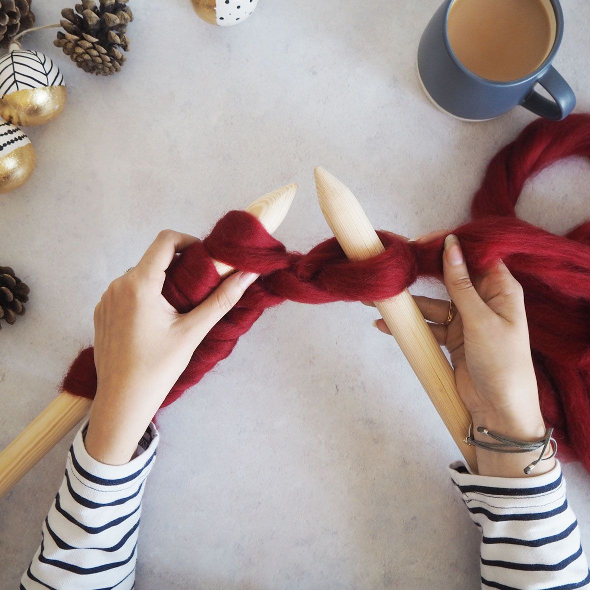 Lets get back to basics with giant knitting. If you're a beginner or need a refresher lesson in the world of knitting, here's Lauren's how to guide for the basic go-to techniques to get you started.