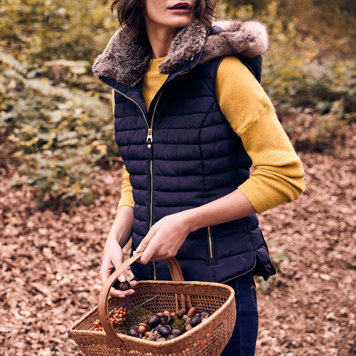 How to wear a gilet