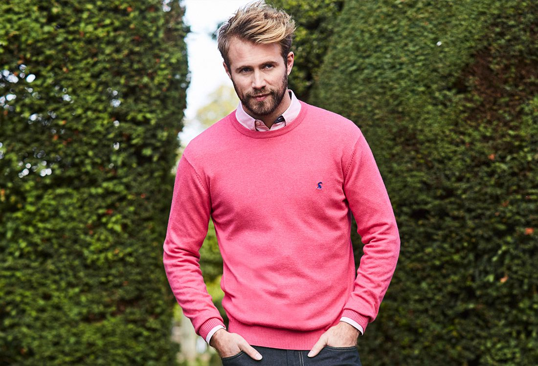 720ce34d331f V Neck or Crew Neck: What's the Difference?   Joules