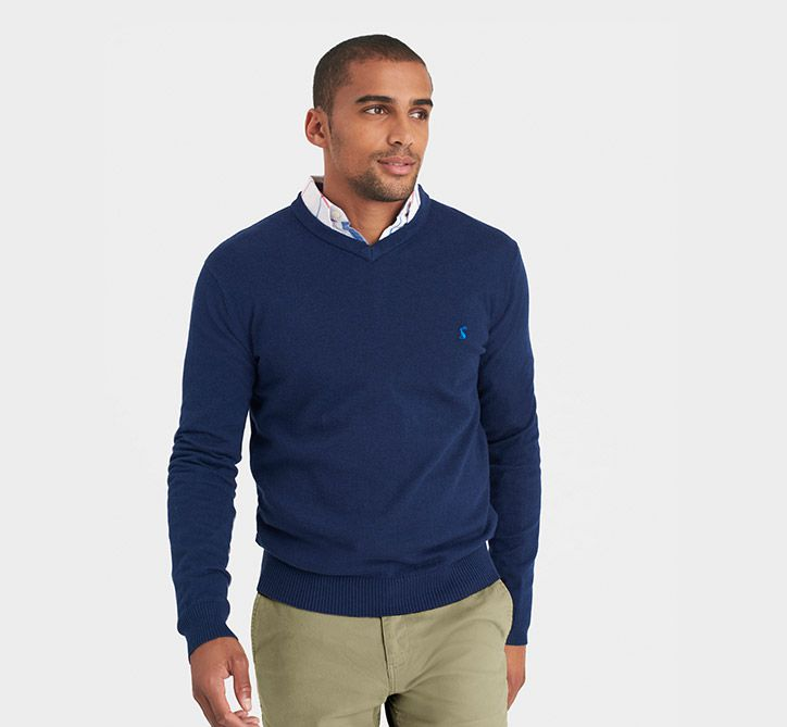 Men's V-Neck Sweaters. The v-neck sweater is a very useful article of clothing.. It's very dynamic, it comes in a variety of colors and patterns, and it's a stylish alternative to standard collared-shirts or crew-neck sweaters.. One of the best attributes of the v-neck is that it .