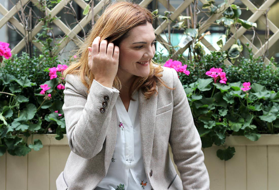 The lovely Antonia behind Tinker Tailor – a fashion and lifestyle blog – gets up close with our Cheltenham Tweed Herringbone coat and shares her tips on finding that forever coat this winner.