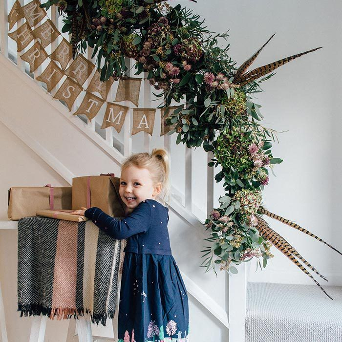Need some Christmas decoration inspiration for your home this season? The hunt is over. We asked our friend, Charlotte at Rock my Style to share her go-to festive staircase garland tutorial for you to recreate at home.